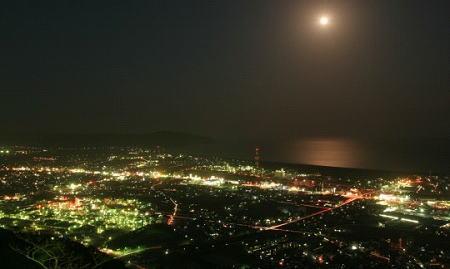 夜も魅力的な延岡の街